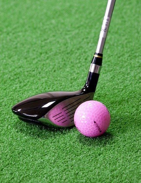 Bien choisir ses équipements pour apprendre le golf chez soi