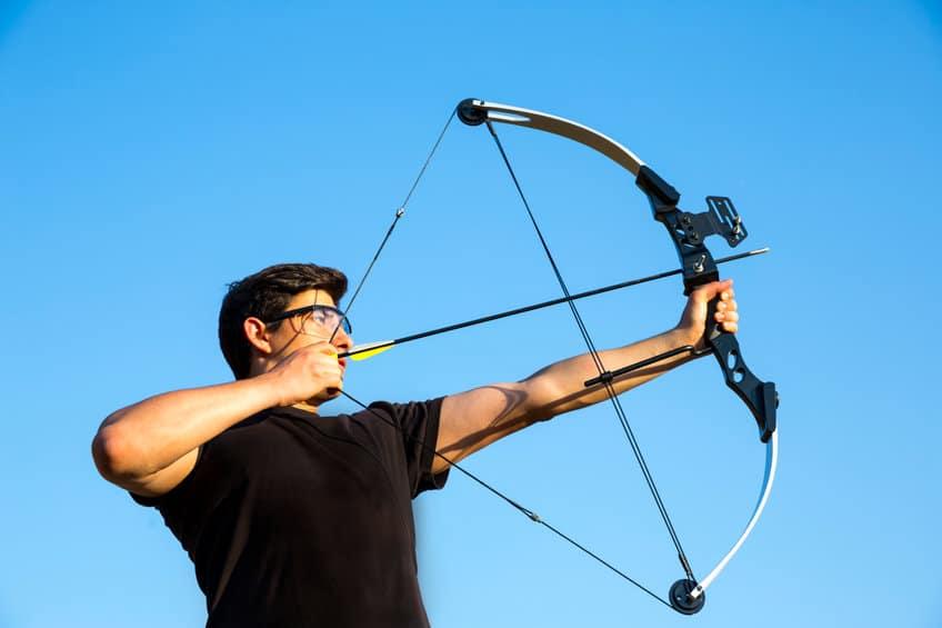 Comment choisir un arc à poulies pour faire du tir à l'arc
